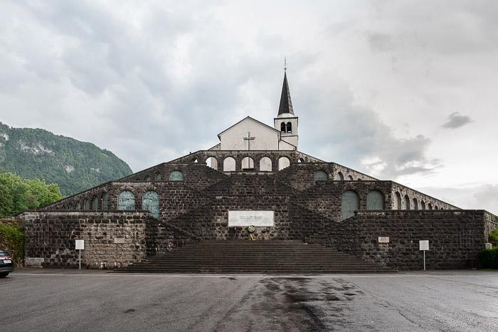 cerkev na kamnitem hribu, cerkev sv. Antona, italijanska kostnica nad Kobaridom