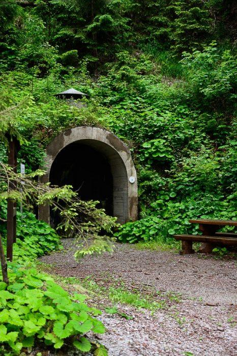 vhod v bunker goli vrh