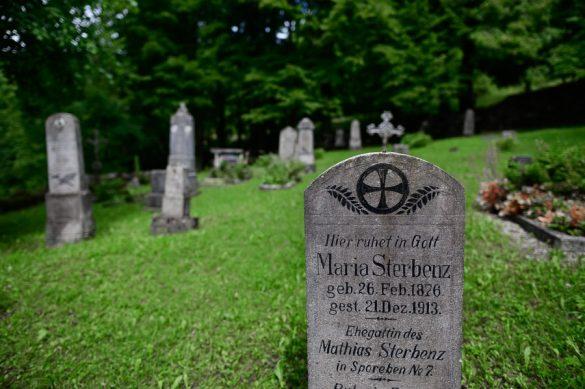 nagrobnik v nemščini
