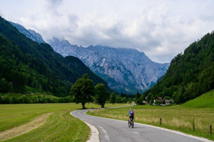 Z električnim kolesom v Logarsko dolino