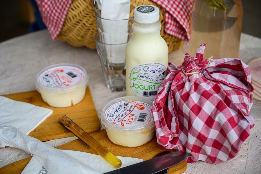 mlečni izdelki kmetije Pr Kendu