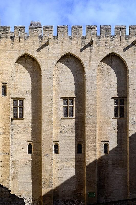 gotska arhitektura z visokimi in ozkimi oboki