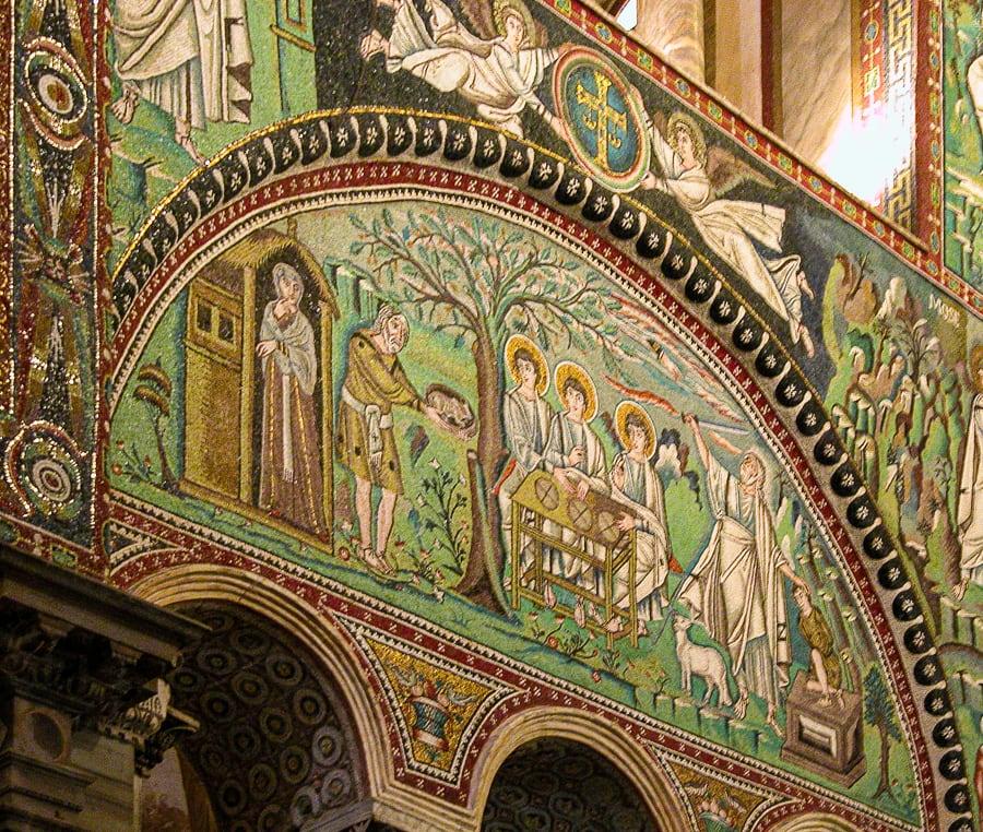 mozaiki v Raveni