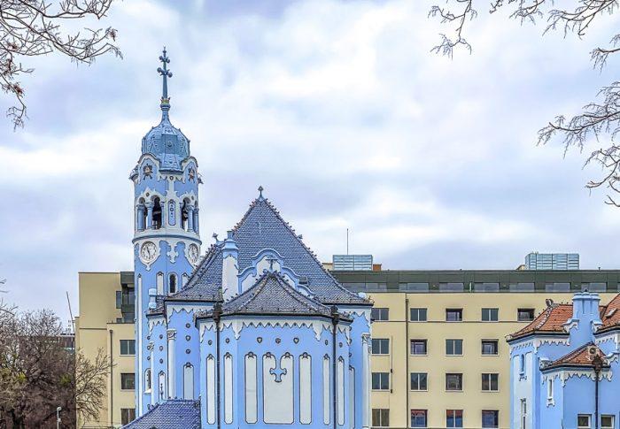 modra cerkev v Bratislavi