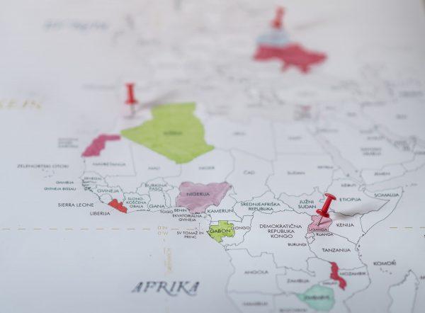 pisan zemljevid sveta žebljički