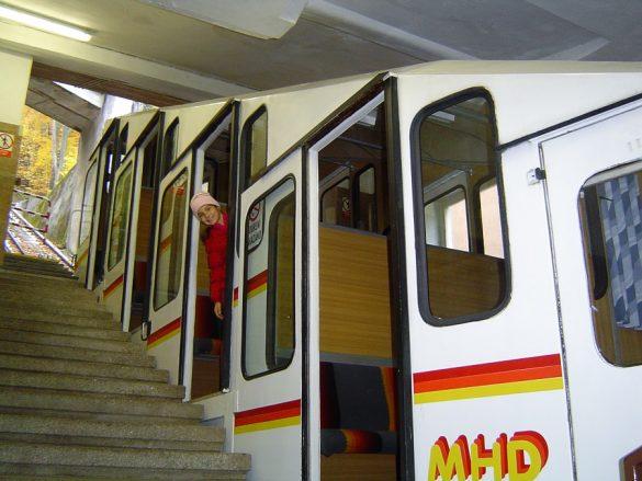 vzpenjača v kraju Karlovy Vary