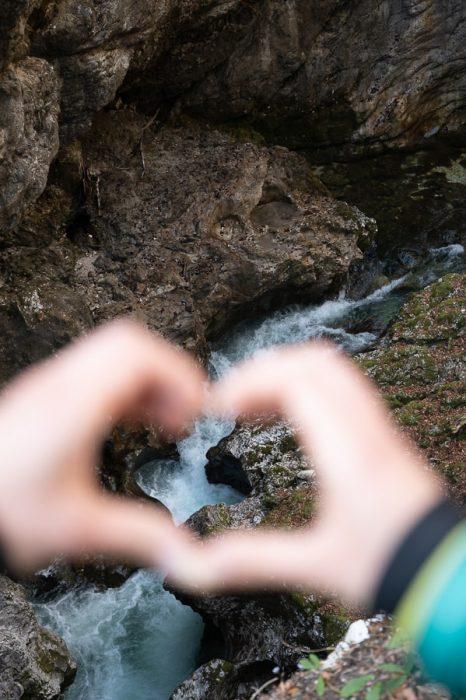 tolmun v obliki srca, korita Mostnice