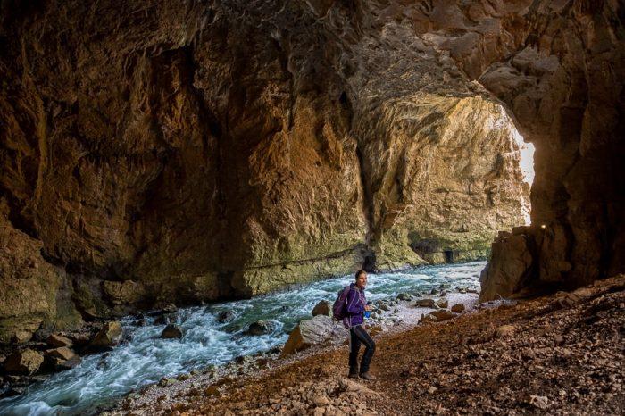 ženska v jami Tkalca, Rakov Škocjan