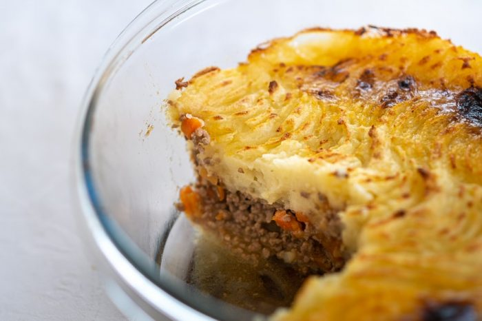 Irska jed: shepherd's pie - pita z mletim mesom in krompirjem