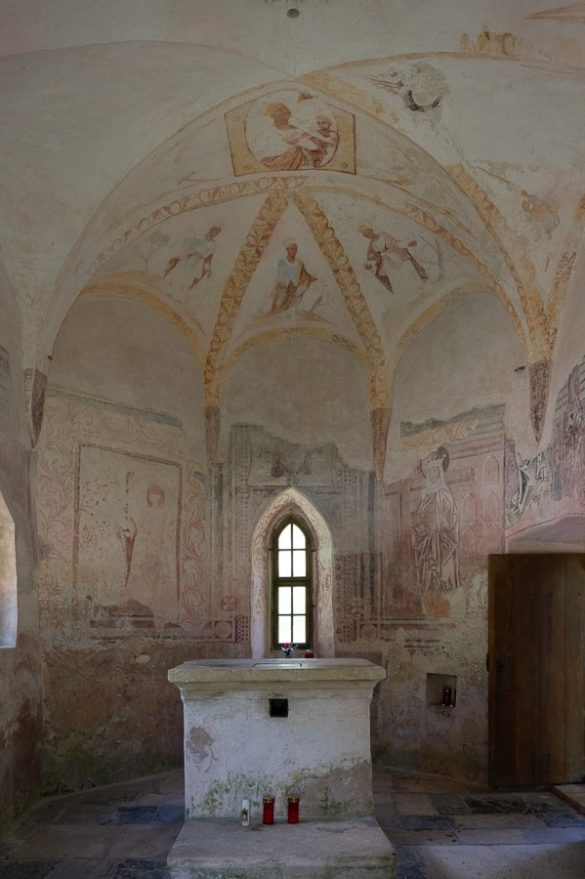gotska notranjost kapele. svete gore