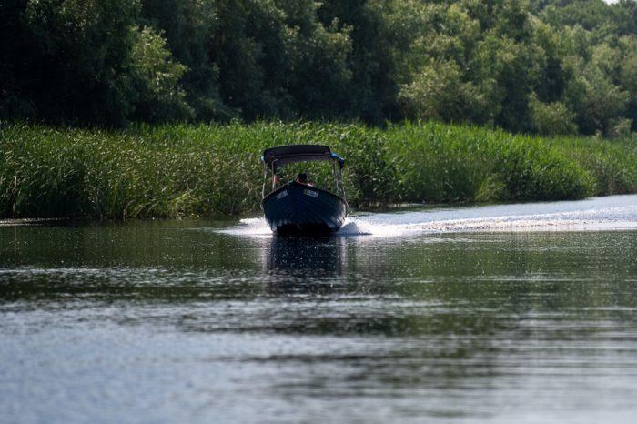 čoln na reki Donavi. Delta Donave, Romunija