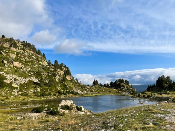 jezero v Pirenejih, jezero v Andori, treking v Andori