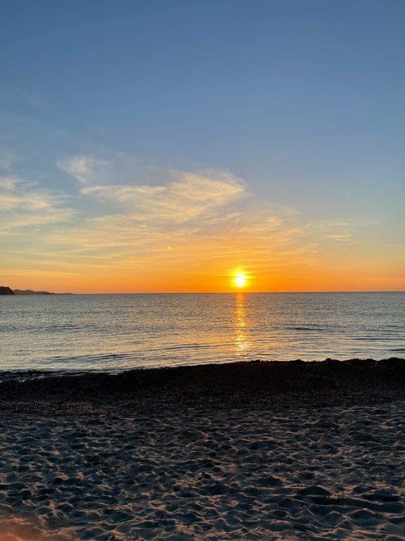 Sončni zahod v morje - s plaže Rena Majori