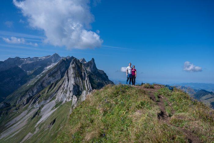 moški in ženska na vrhu Schäfler-ja