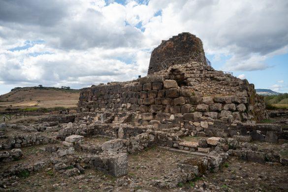 nuraghe ruševine na Sardiniji