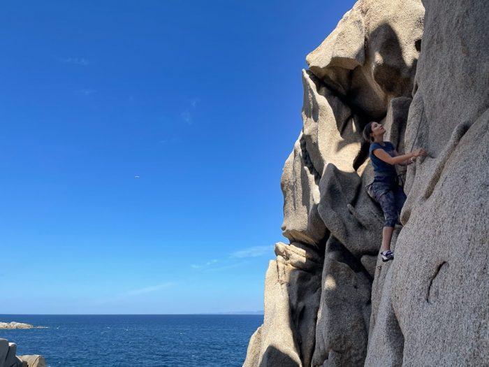 ženska pleza na Capo Testa, Sardinija